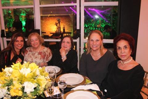 9-mesa-especial-composta-por-roseli-fanton-hortencia-beneti-alair-morais-zuleica-elisa-simoes-pereira-e-ivone-indes-todas-muito-queridas