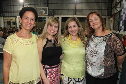 a-coordenadora-de-politicas-para-mulher-dina-ferreira-oliveira-com-as-presidenciaveis-maria-da-graca-aulicino-que-comanda-a-capep-gilze-maria-costa-francisco-a-frente-do-instituto-neo-mama-e