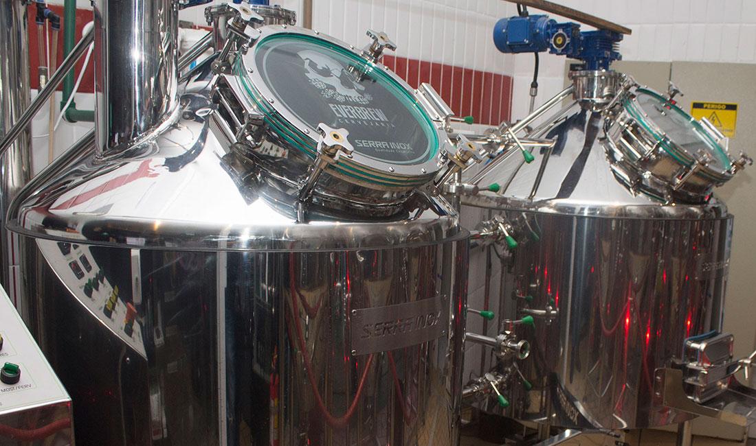 cerveja-artesanal-santista-nhangatu-producao